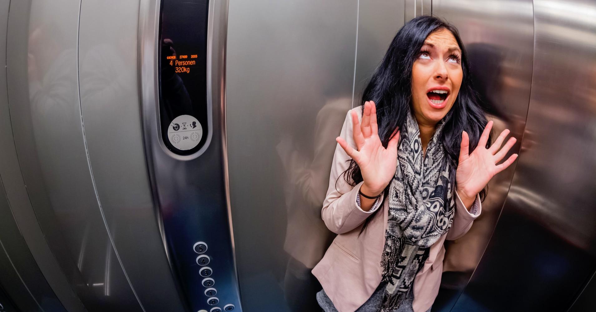 Fiquei preso no elevador e agora?