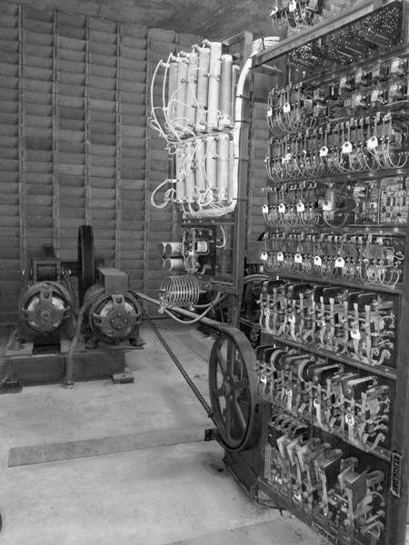 Quanto de energia consome um elevador antigo?