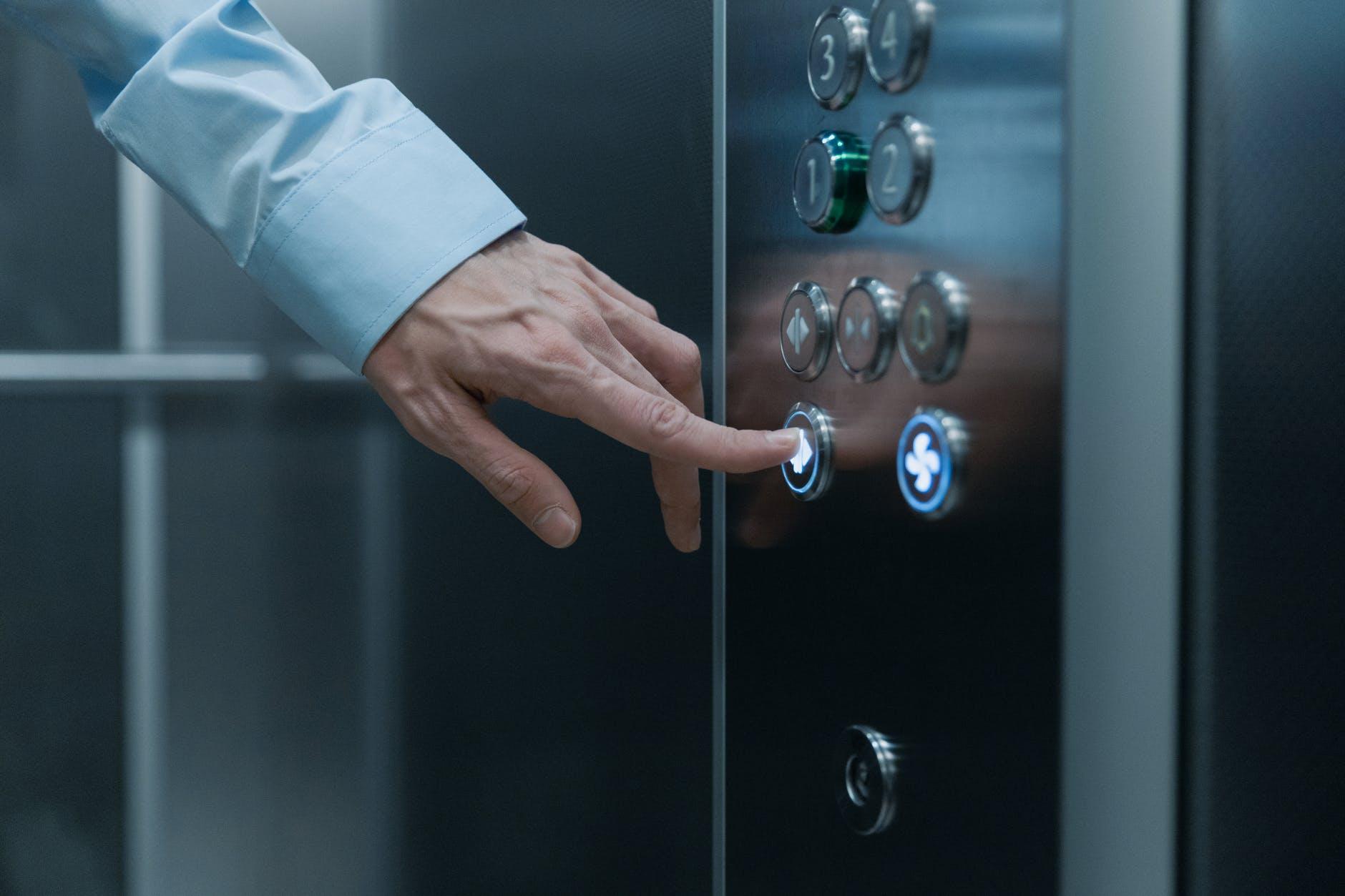 Dê um upgrade no seu elevador com a modernização parcial